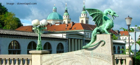Ljubljana-dragon-bridge_sloveniaPD.com_.jpg